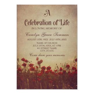Celebração rústica do campo da papoila da vida convite 12.7 x 17.78cm