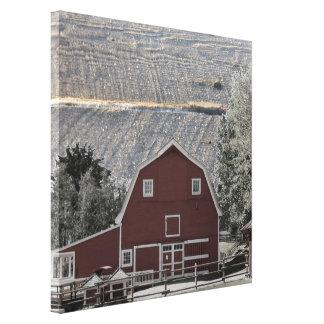 celeiro rústico do vermelho da paisagem do impressão de canvas envolvidas