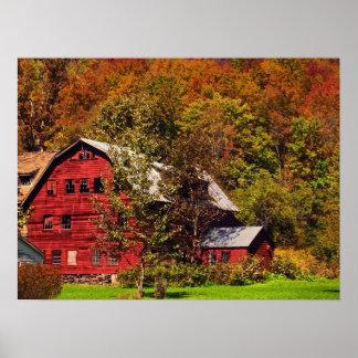 Celeiro vermelho no outono pôster