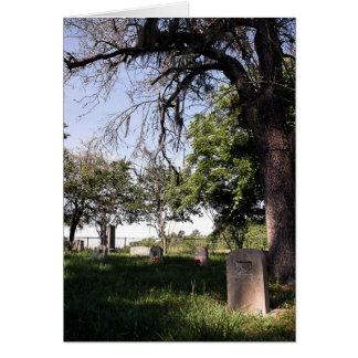 Cemitério da borda da estrada cartão comemorativo