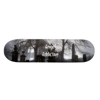 Cemitério por AngelAddictive Shape De Skate 20cm