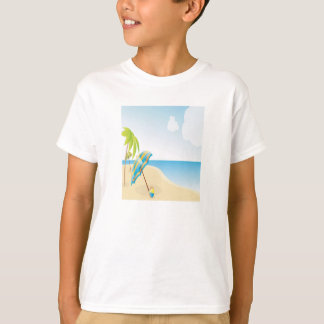 Cena da praia com guarda-chuva, palmeiras & bola camiseta