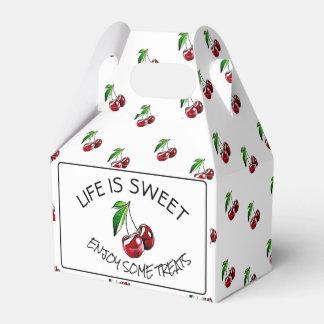 Cerejas retros doces do estilo ou caixa do cupcake