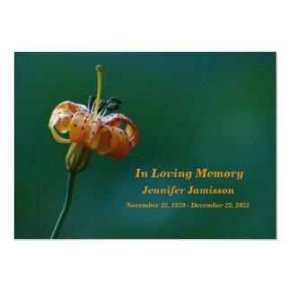 Cerimonia comemorativa, lírio amarelo dourado convite 12.7 x 17.78cm