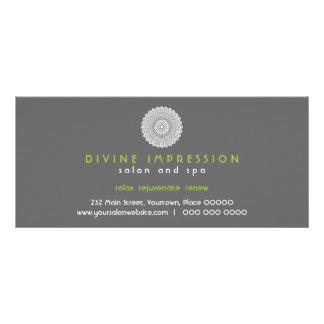 Certificado de presente divino do verde da impress modelo de panfleto informativo