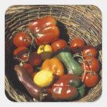 Cesta das frutas e legumes no lugar adesivo quadrado