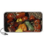 Cesta das frutas e legumes no lugar caixinha de som para mini