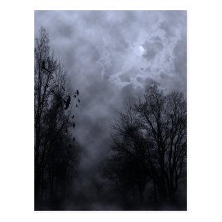 Céu assombrado do Dia das Bruxas com cartão dos