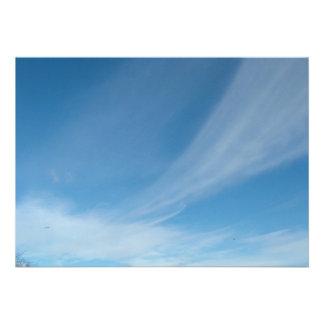 Céu azul e nuvens brancas convite personalizados