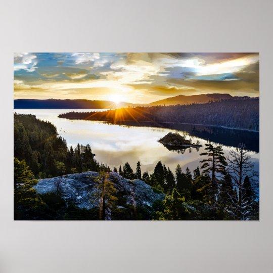 Céu brilhante na baía esmeralda Lake Tahoe Pôster