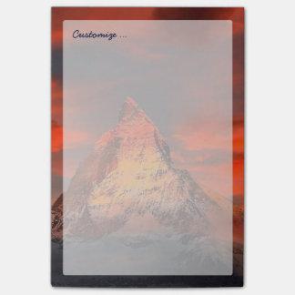 Céu do vermelho de Matterhorn Zermatt da suiça da Bloquinhos De Notas