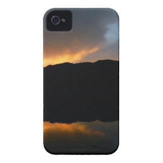 céu no espelho capas para iPhone 4 Case-Mate