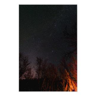 Céu nocturno sobre um impressão da foto de Sami