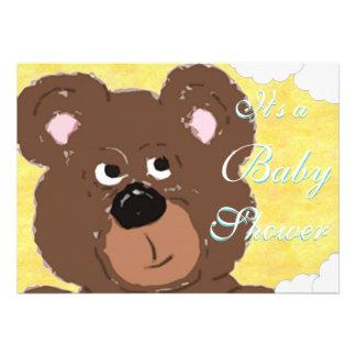 Chá de fraldas amarelo do urso de ursinho
