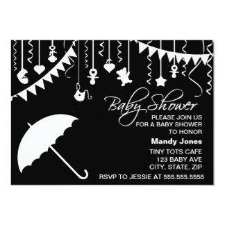 Chá de fraldas moderno do guarda-chuva preto e convite