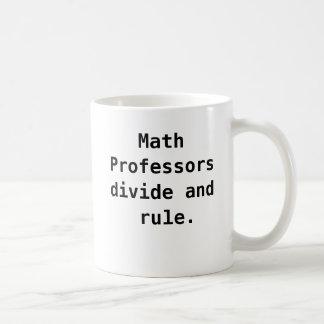 Chalaça engraçada da piada do professor de caneca de café