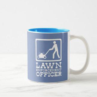 Chalaça engraçada do pictograma do oficial da caneca de café em dois tons