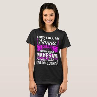 Chamam-me sócio de Nonna - dentro - camiseta