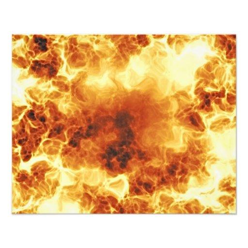 Chamas de explosão impetuosas quentes foto