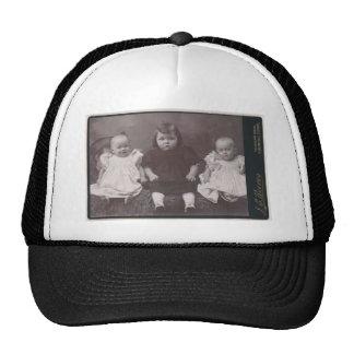 Chapéu de três crianças bonés