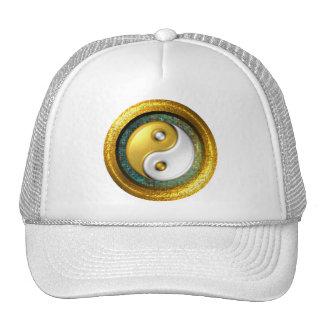 Chapéu de Yin-Yang, anel dourado no mosaico do Boné