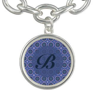 Charm Bracelets Monograma floral azul bonito do teste padrão
