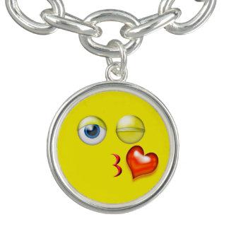 Charm Bracelets Sopro engraçado um smiley de Emoji do beijo