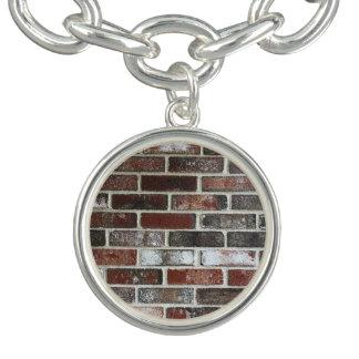 Charm Bracelets vário teste padrão da parede de tijolo da cor