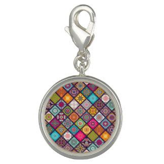 Charms Com Fotos O diamante colorido telhou o teste padrão floral