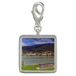 Charms Com Fotos Vila de Willendorf no rio Danúbio, Áustria