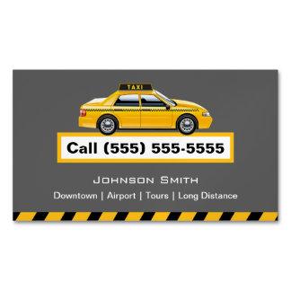 Chauffeur amarelo do taxista do boné