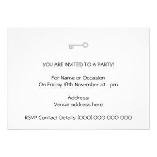 Chave das cinzas de prata no branco convite personalizados