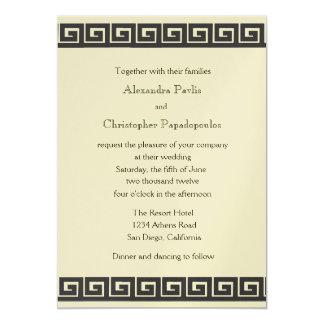 Chave grega no convite metálico do casamento do