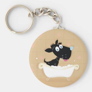 Chaveiro Cão preto bonito tirado mão no banho