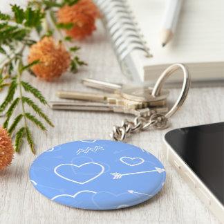Chaveiro Doodles azuis pálido do coração e da seta do amor