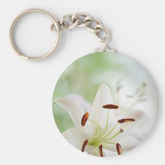 Chaveiro Flor do lírio branco inteiramente aberta