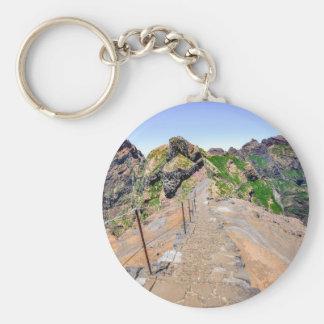 Chaveiro Fuga de caminhada acima nas montanhas em Madeira
