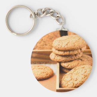 Chaveiro Grupo de biscoitos de farinha de aveia na bandeja