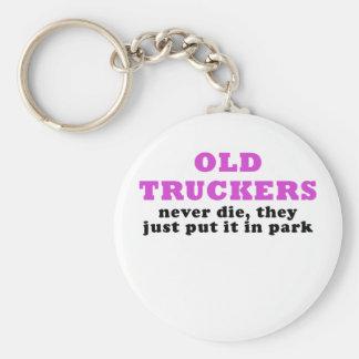 Chaveiro Os camionistas idosos nunca morrem eles apenas pôr