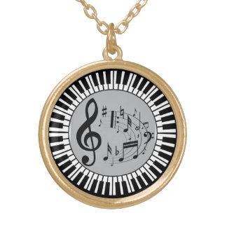Chaves do piano e notas circulares da música colar banhado a ouro