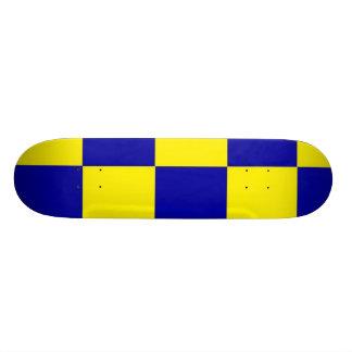 checherboard azul e amarelo shape de skate 20,6cm
