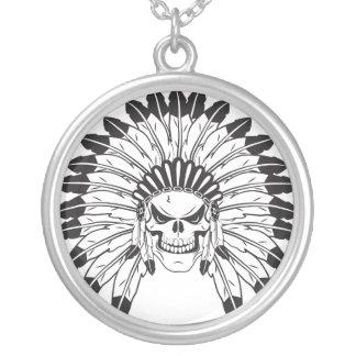 Chefe indiano do crânio colar banhado a prata