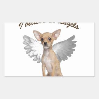 Chihuahua do anjo adesivo retangular