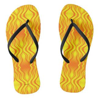 Chinelos Abstrato do amarelo alaranjado das vaga de calor