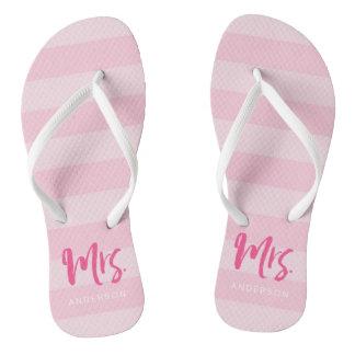 Chinelos As listras cor-de-rosa personalizam com Sra.