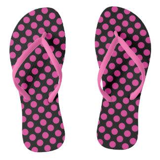 Chinelos Bolinhas cor-de-rosa e pretas na moda