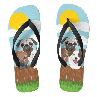 Chinelos Cães afortunados da ilustração em uma cerca de