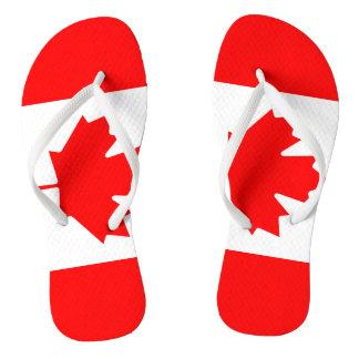 Chinelos canadenses da praia da bandeira para