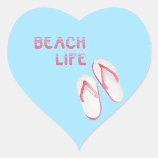 Chinelos da vida da praia adesivo coração