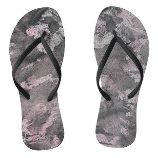 Chinelos De tinta preta no highlighter cor-de-rosa